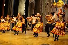 Традиции народов Забайкалья как важнейший фактор в развитии  По нашему мнению важнейшим фактором развития туризма в Забайкальском крае являются непосредственно фестивали народного творчества в Забайкалье Именно на