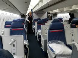 delta air lines boeing 767 300er business cl first delta one cabin and