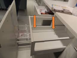 see the curved sides at the bottom of the maximera drawer
