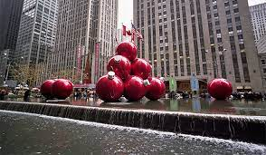 clic christmas decorations in nyc