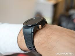 huawei smartwatch on wrist. the included sport-styled rubber band is perhaps cheapest feeling piece of entire watch. even though it plenty thick and feels relatively robust huawei smartwatch on wrist