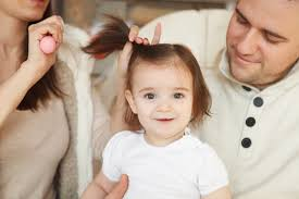 نصائح مهمة للعناية بشعر الأطفال الصغار