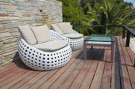 How to Buy Used Patio Furniture