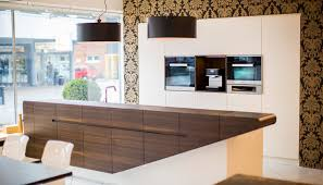 Moderne Küchen Mit Insel An Der Wand