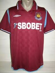 By selecting a currency you will see the equivalent prices in your preferred currency at the side of the sterling prices. West Ham United 2009 10 Home Shirt Umbro Jersey Size M Ebay