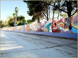 considering the concept of monumentality in public art i was led back to murals and their impact on spatial politics the great wall in los angeles is a  on wall mural artist los angeles with the great wall of los angeles artofthemooc