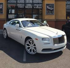 wraith rolls royce drake. this customized rollsroyce wraith belongs to a rapper named philthy rich rolls royce drake