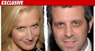 fice Star Angela Kinsey Divorcing fice Producer Warren
