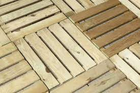 5 best easy installation decking tiles