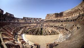 Колизей величественная памятка Древнего Рима Дикий Дикий Мир Расположение мест амфитеатра соответствовало кастовому расслоению общества Древнего Рима Нижний ярус был предназначен для императора его семейства и