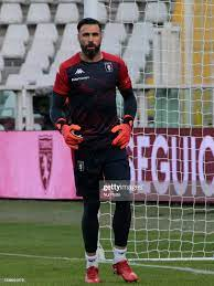 Salvatore Sirigu during Serie A match between Torino v Genoa in...  Nachrichtenfoto - Getty Images