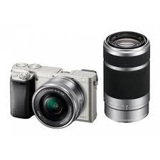 Компактный фотоаппарат <b>Sony</b> ILCE6000 <b>серебристый</b> с двумя ...