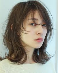 ブーム再燃 色っぽレトロな髪型ウルフヘアーを総復習 Arine