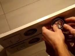Как заменить лампочку, встроенную в шкафчик (подсветка на ...