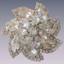 weiss rhinestone pinwheel brooch vintage 1950s clear dazzling pin