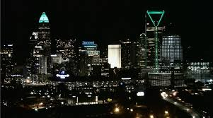 The Light Source Charlotte Nc Charlottestrong City Skyline Lights Up Green To Honor