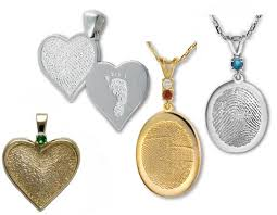 jewelry with loved ones of fingerprints