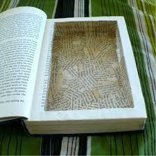 5 ways to repurpose old books