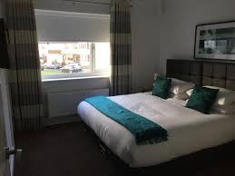 Liverpool Wallpaper For Bedroom Holiday Home Buttermere Gardens Liverpool Uk Bookingcom