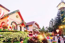 Crosswinds Tagaytay Lights In Photos Magical Christmas Spots South Of Metro Manila