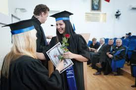 Правила написания кандидатской диссертации требования ГОСТ  Что представляет собой кандидатская диссертация