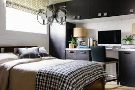 Jerikey moujoodi of farmhouse love was able to complete a bedroom refresh in time for the holidays. 16 Multifunctional Guest Bedroom Ideas Room Makeovers To Suit Your Life Hgtv