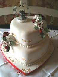 2 Tier Heart Shaped Wedding Cake With Pearl Stringsjpg