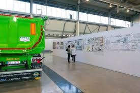 Итоги смотра конкурса МООСАО Уральский архитектурно   конкурс проектов по архитектуре градостроительству дизайну и искусству Зеленая линия на котором были представлены 52 курсовые и дипломные работы из