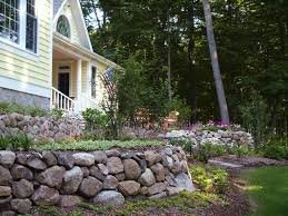 fieldstone retaining wall in cedarburg wisconsin