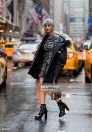 Street Style - New York Fashion Week February 2017 - Day 4   News Photo