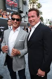 ¿Cuánto mide Arnold Schwarzenegger? - Real height Images?q=tbn:ANd9GcRKjUdRKY93i-RuueNl76B5HwahqKGoGAJvQvVm6TSSzlGT1mIR