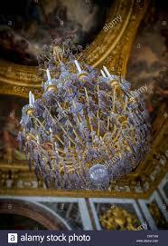 Kronleuchter Hängt In Der Spiegelsaal Im Schloss Versailles