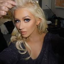 christina aguilera to e back in the voice eye makeup