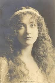 Resultado de imagen para mujeres en el pasado