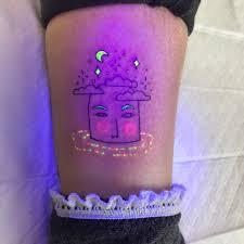 флюоресцирующие татуировки тату художницы тукой ойи 8 фото