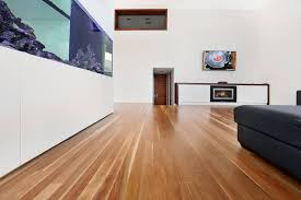 difference between wide vs narrow timber planks