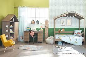 Camerette per bambini: letti scrivanie e armadi salva spazio