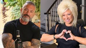 Get victoria caputo's contact information, age, background check, white pages, professional records, pictures, bankruptcies, property records & liens. Long Island Medium Theresa Caputo S Ex Larry In Sappy Post With New Gal Bad Timing Soap Dirt