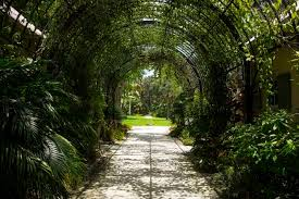 the mckee botanical garden was opened in 1932 by arthur g mckee and waldo e
