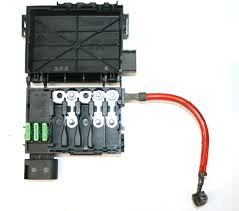 vw golf mk4 fuse box on top of battery 3 wire 1j0 937 550 ad ebay battery fuse box image is loading vw golf mk4 fuse box on top of
