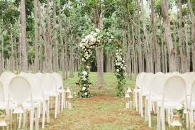 11 outdoor wedding ideas decorations for a fun outside spring wedding outdoor tree decorations