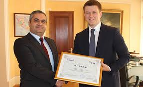 Банк ВТБ Армения получил диплом Лучший банк Армении со  Банк ВТБ Армения получил диплом Лучший банк Армении 2015 со стороны gallup