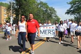 File:Chicago City Treasurer Kurt Summers at the Bud Billiken Parade 2015  (20240667408).jpg - Wikimedia Commons
