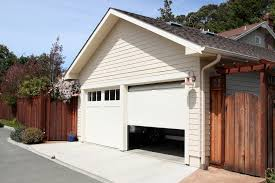 garage door if the door doesn t completely open or close