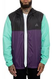The Clifton Elevation Windbreaker In Grape And Black