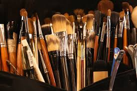 a guide to makeup brushes every kind you need and how to use them