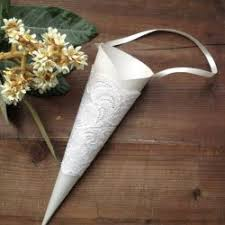Paper Cones For Flower Petals Flower Petals In Lace Cones For Tossing Way Better Than Rice Or