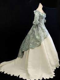 With a wide selection of skirts, dresses, and accessories, you�ll find everything victorian right here! Victorian Dresses Tumblr Historical Dresses Victorian Clothing Vintage Outfits