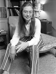 dolly writes in her book that hillary pictured above in 1969 was wearing