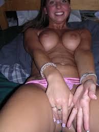 Amateur hot nude girl